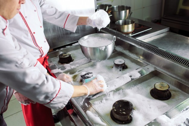Recomendaciones de limpieza que puedes implementar en la cocina de tu restaurante